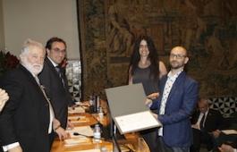 Garganté i Solà recollint el premi. Autor: IEC
